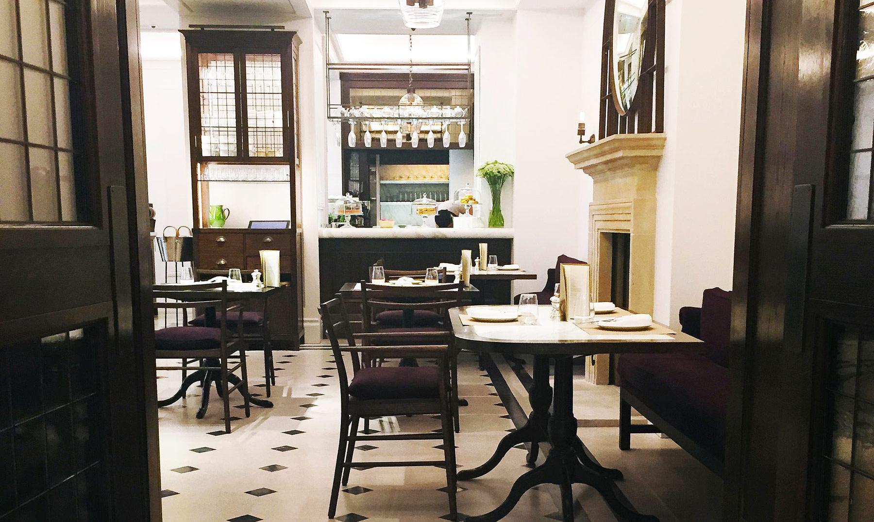 Thomas's Café In Regent Street's Flagship Burberry Store