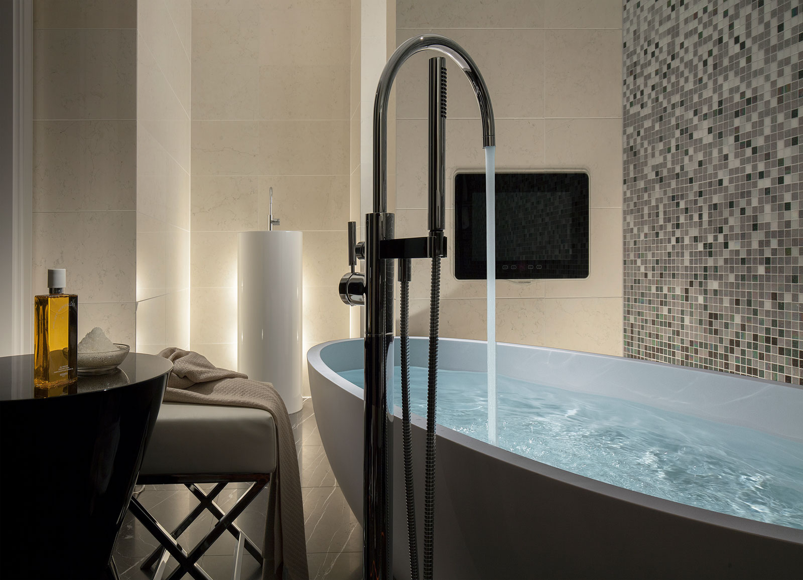 A Sophisticated And Stylish Retreat at the Hotel Royal Savoy, Lausanne 2