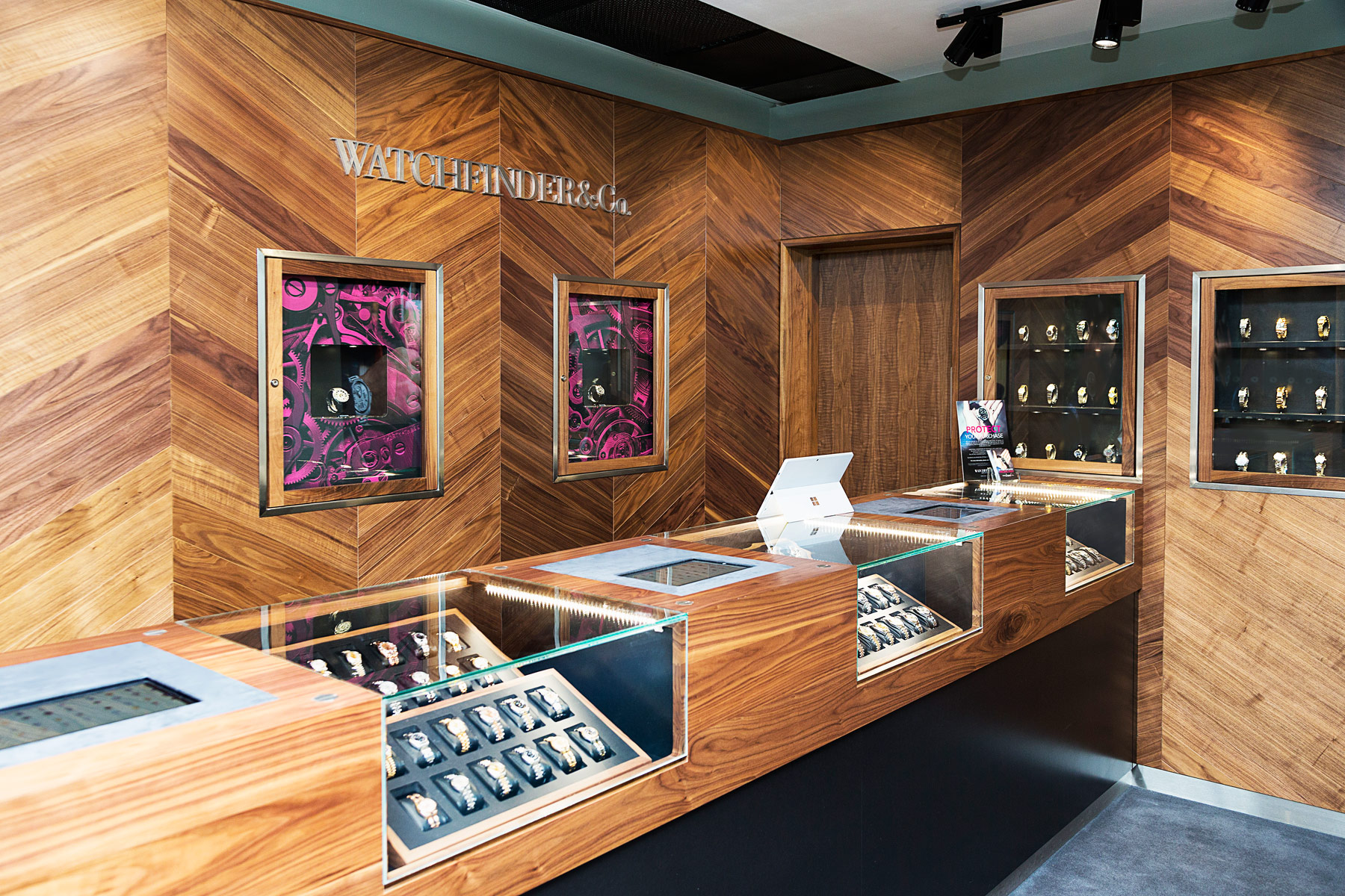 Watchfinder Opens Store In Canary Wharf With Support From HSBC 2