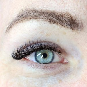 Beauty Treatment Review: Russian Volume Lashes at FATLASH 3