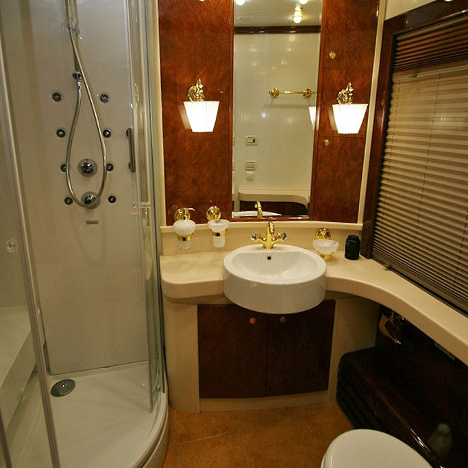 The Romanov Suite - An Entire Private Carriage Aboard the Golden Eagle Train 10