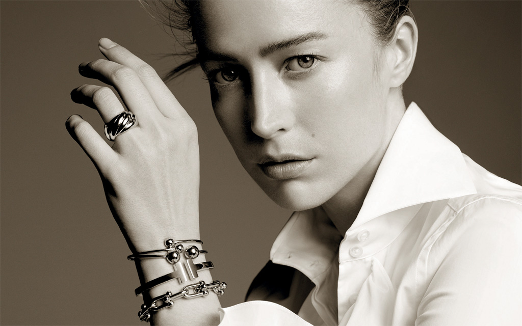 Picture of Raquel Zimmerman wearing Tiffany Jewellery