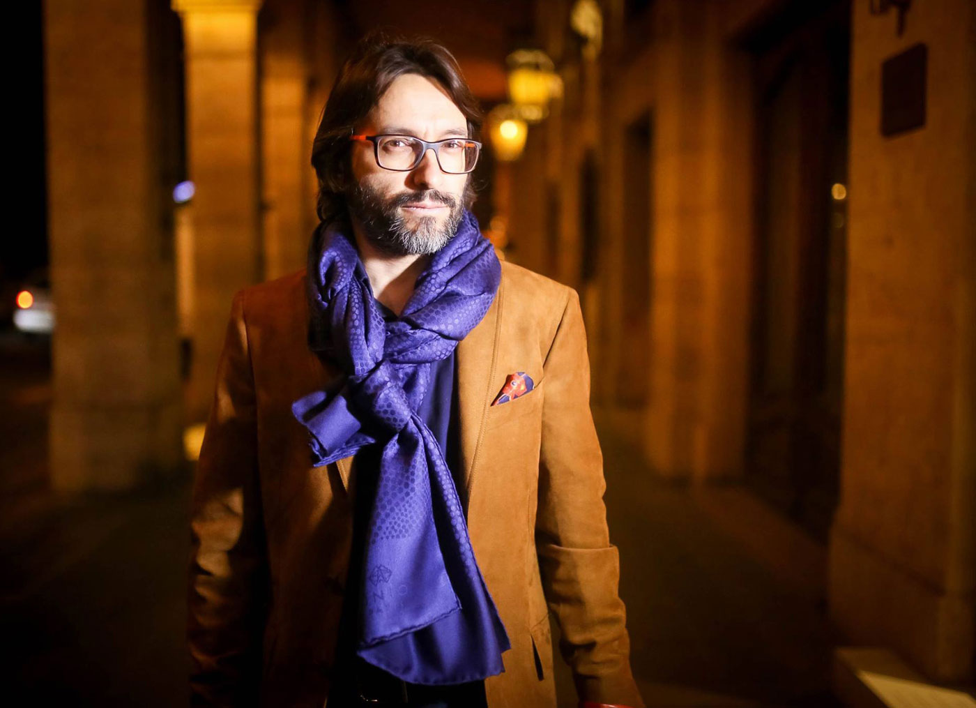 Getting Wrapped Up In Paris Chic With UNIO Luxury Scarves 5