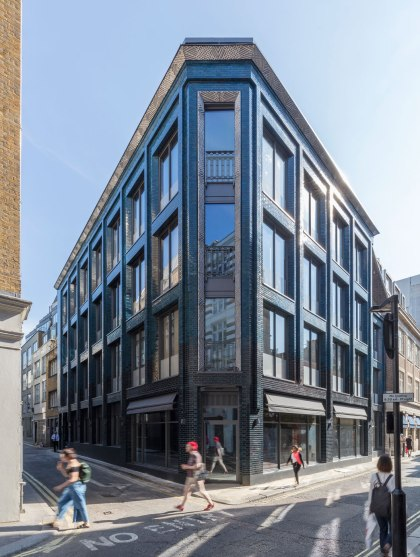 Damien Hirst Purchases New London Studio & Art Complex For £40m 2
