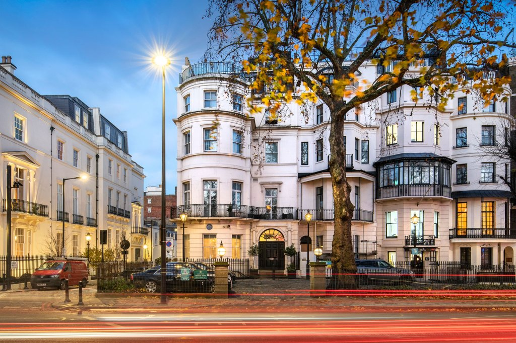 Douglas Fairbanks Jr's former Mayfair residence to let at 99 Park Lane