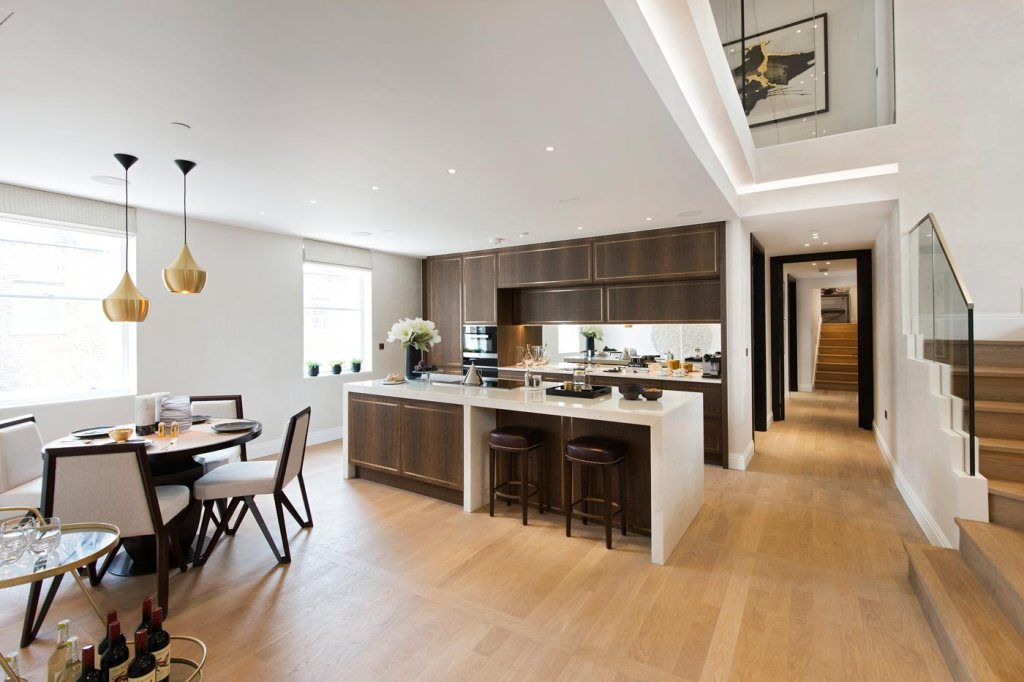 Former Ambassador's Residence for Sale in The Park Crescent, Regent's Park 14