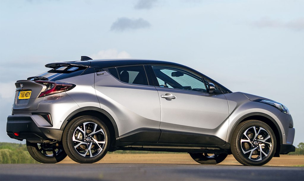 Toyota C-HR Dynamic Hybrid 1.8 5-Door Test Drive and Review 6