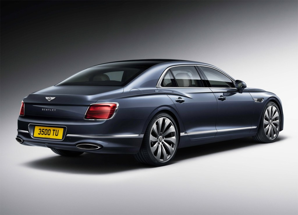 The Newly-Designed Bentley Flying Spur is a Technological Tour de Force 12