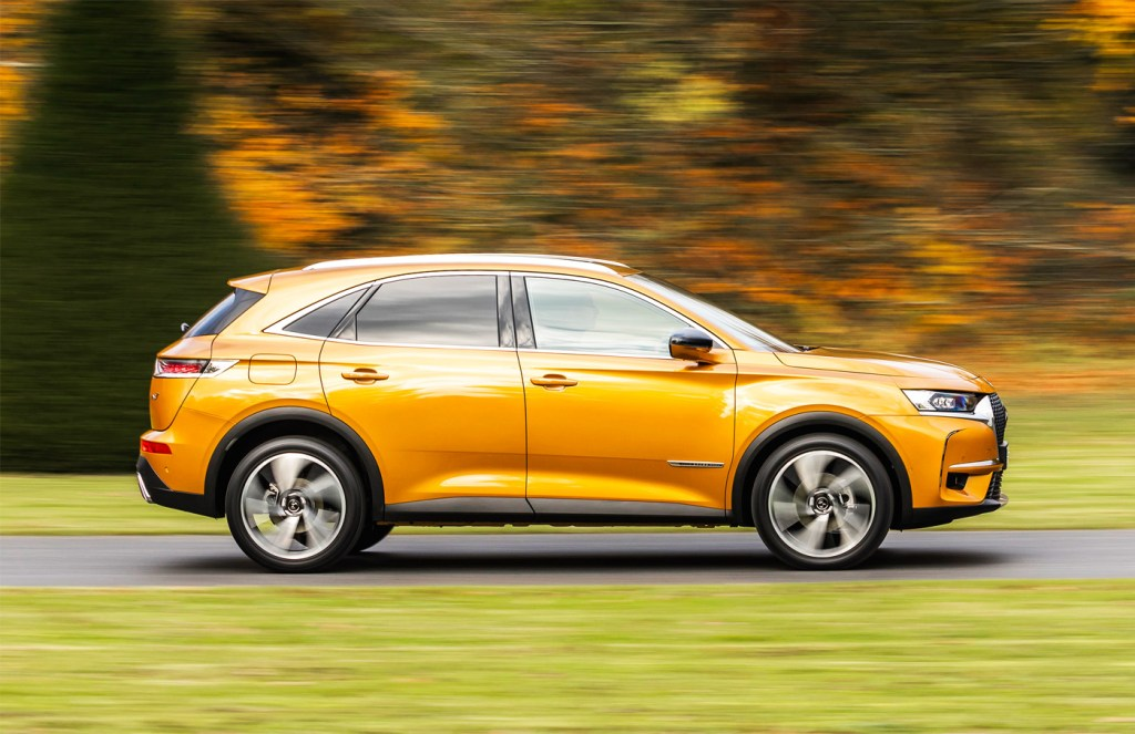 Luxurious Magazine Road Test: The DS 7 CROSSBACK PureTech 180 SUV 1