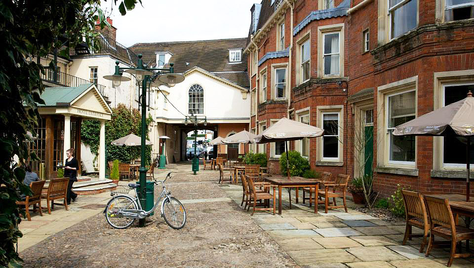 Rutland Arms Hotel Courtyard in Newmarket.