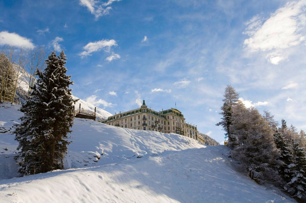 Grand Hotel Kronenhof Embraces Outdoor Wellness in the Winter Season 4