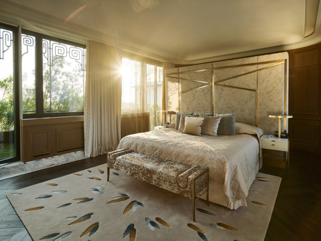 Le Meurice Hotel In Paris Transforms Belle Etoile Suite