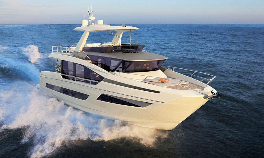 Prestige X70 running at sea