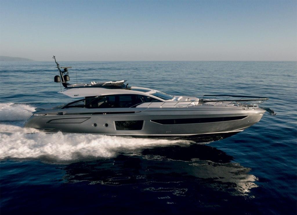 Azimut S8 at sea