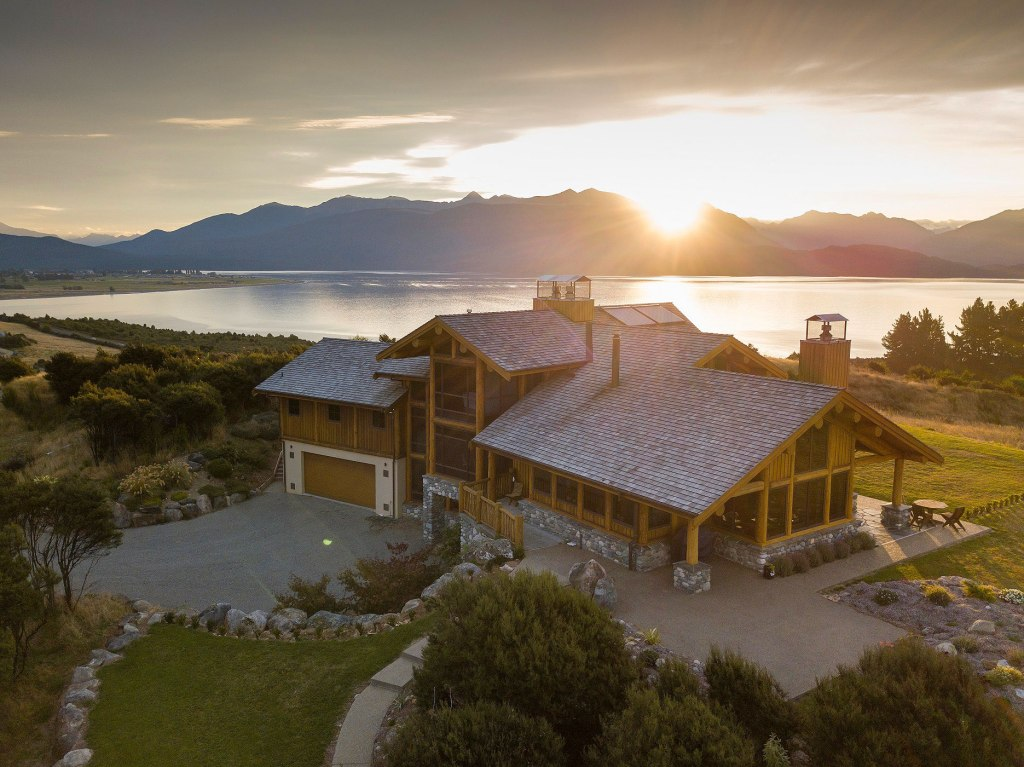 New Owners Residence Opened at Fiordland Lodge in New Zealand
