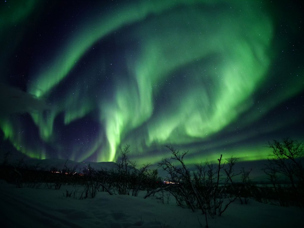 Arctic Expert Shares Free Virtual Lights Over Lapland