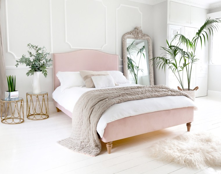 Bring Your Summer Holiday To You Through Interior Products