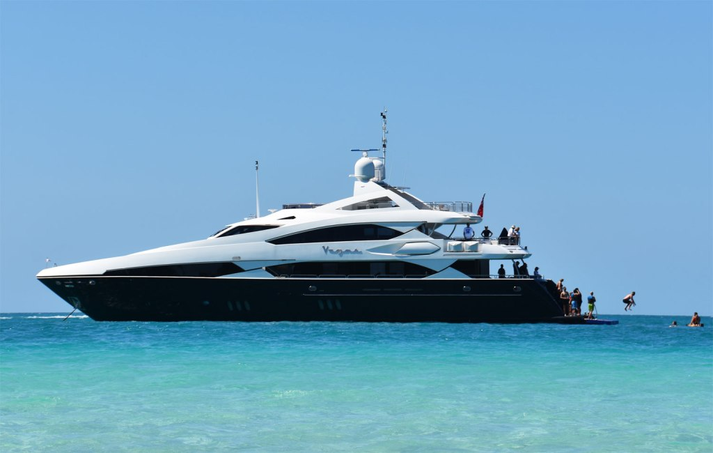 Sunseeker Vegas at sea