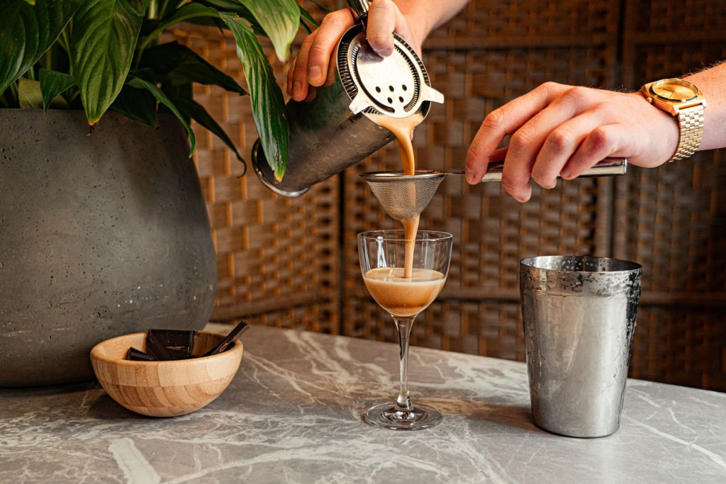 Cocktail Porter Introduces Premium Cocktail Kits Direct to Your Door