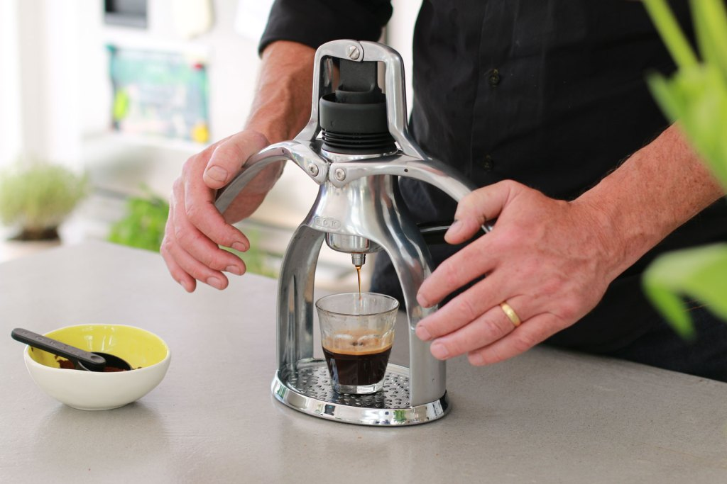 How to use the ROK Espresso Maker