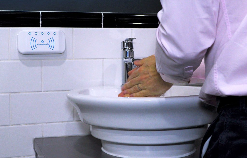 Test Shows Half of People Can't Count to 20 seconds for Hand Washing