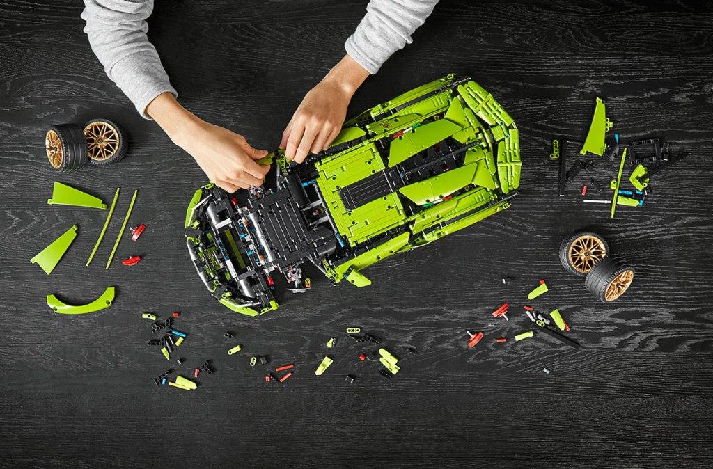 How to build a LEGO Lamborghini Sián