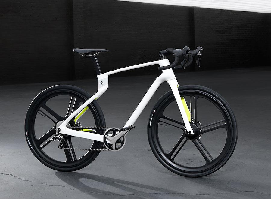 Superstrata's 3D Printed Carbon Fibre E-bike Breaks The Mould