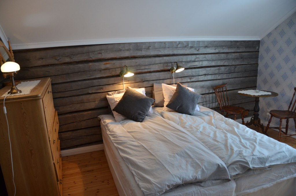 Bedroom inside Jopikgården lodge