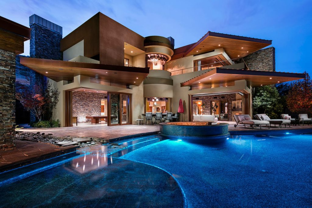 Amazing Contemporary and Futuristic Looking Home in Las ... on Amazing Modern Houses  id=26210
