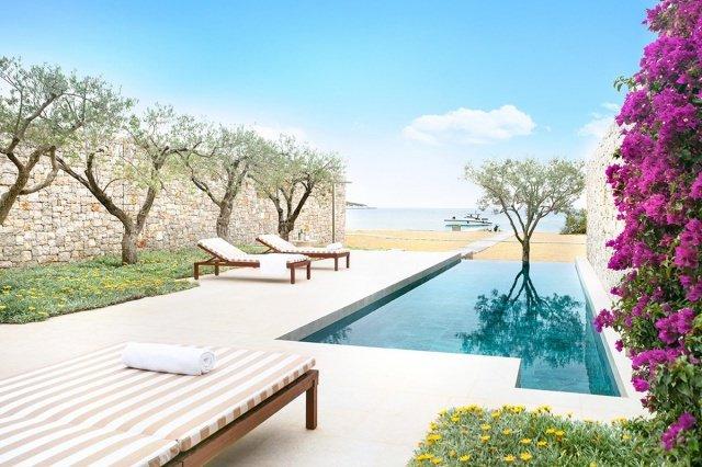 hotel-amanzoe-heli-porto-beach-cabana