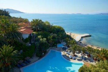 hotel-eagles-palace-halkidiki-pool-beach