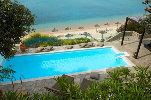 hotel-eagles-palace-halkidiki-pool
