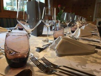 Lanerhof_winkler_hotel_pustertal_Suedtirol_wellness_urlaub_familienhotel_test_kronplatz_outdoor_berge_012_restaurant_essen