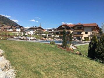 Sonnenhof winkler hotel pustertal Suedtirol wellness urlaub familienhotel test kronplatz outdoor berge 012 pool 909 - Der Lanerhof - Wellness, Gourmet & Sport in Südtirol