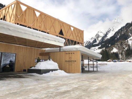 Feuerstein Family Resort Brenner eingang - Feuerstein Family Resort am Brenner in Südtirol - Entspannter Luxus