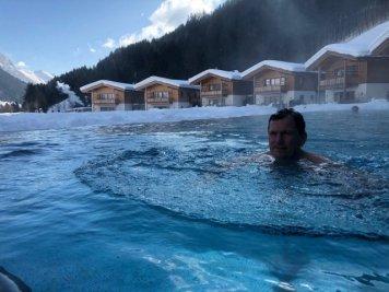 Feuerstein-Family-Resort-Brenner-pool-daniel