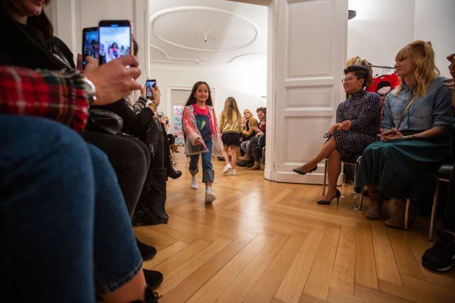 Designer Kindermode Kinderbekleidung KidsFashionShow 14 - Designer-Kinderkleidung bei der Prisco Project Kids Kindermodenschau in München