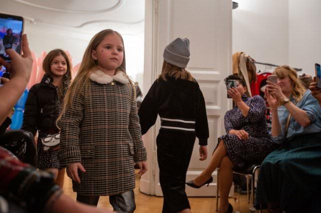Designer Kindermode Kinderbekleidung KidsFashionShow 4 - Designer-Kinderkleidung bei der Prisco Project Kids Kindermodenschau in München