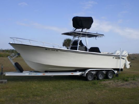 Flybridge Outboard Boat