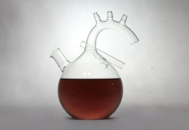 the-heart-wine-decanter-by-kosmos-project