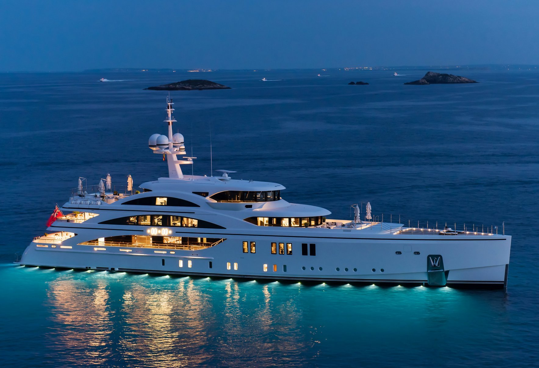 Yacht 1111 Photo Gallery Luxury Charter Group