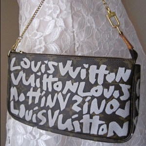 Louis-Vuitton-Graffiti-Pochette-Handbag