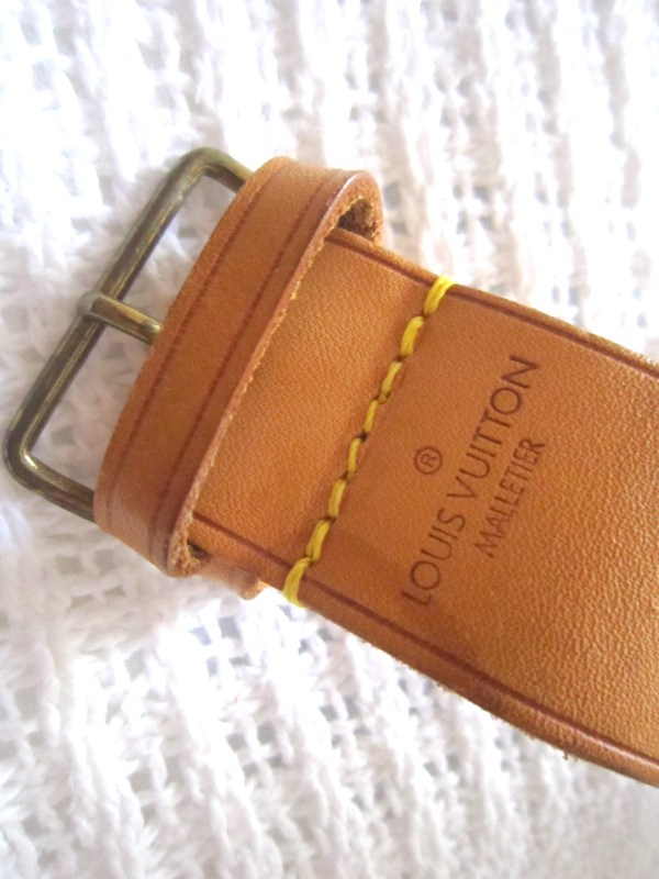 Louis-Vuitton-Leather-Strap-Holder-for-Keepall-1.jpg