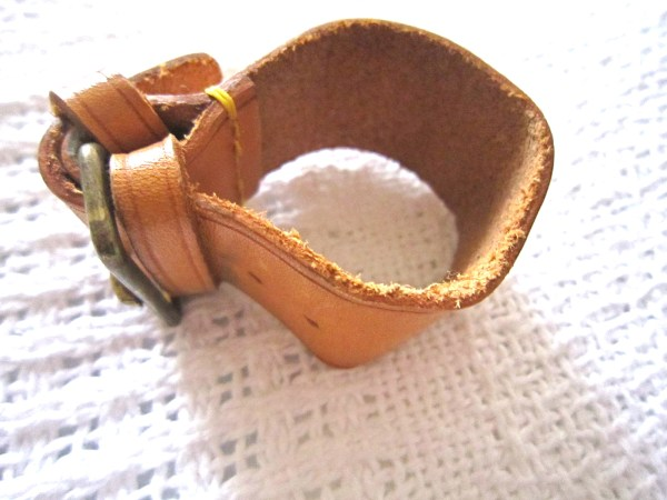 Louis-Vuitton-Leather-Strap-Holder-for-Keepall-2.jpg