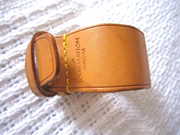 Louis-Vuitton-Leather-Strap-Holder-for-Keepall.jpg