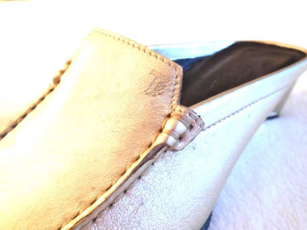 Tod's Gold Mules-2
