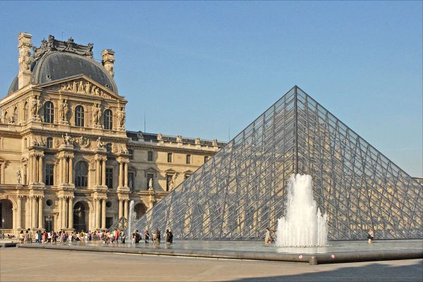 Any guide to Paris includes the Louvre