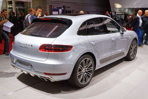 Of all the Best 2017 luxury SUVs, we like the Porsche Macan the best