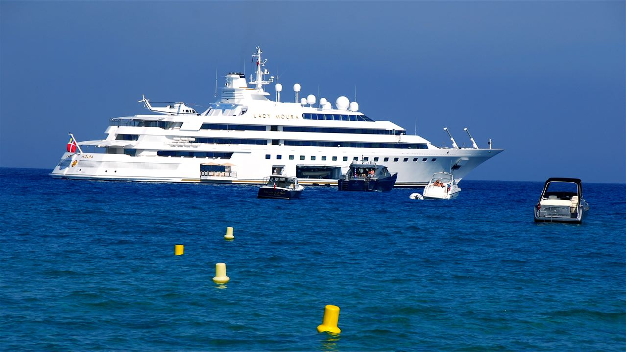Charter Boats And Yachts For Sale Luxury Yacht Charters