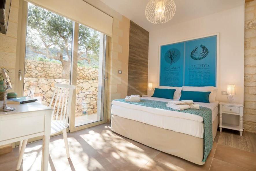 rent luxury villas in Chania Crete.